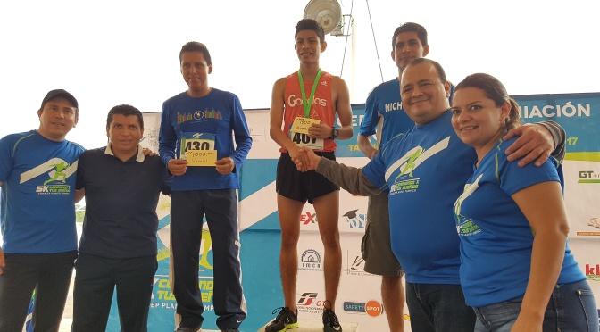 Rocha y Sierra Ganan 1ra Carrera CONALEP