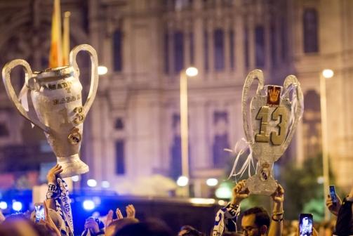 Los madridistas festejan en Cibeles (Foto: Dasiy Serracin)